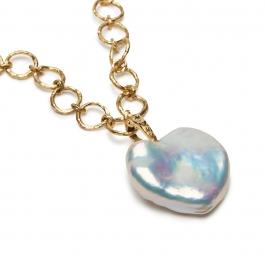 White Heart-Shaped Pearl Pendant