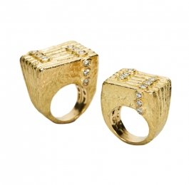 Lines & Dots Ring with Diamonds