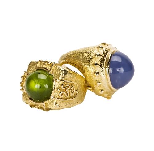 Laura's Epaulet Ring in Peridot & Dots & Diamonds Ring in Chalcedony