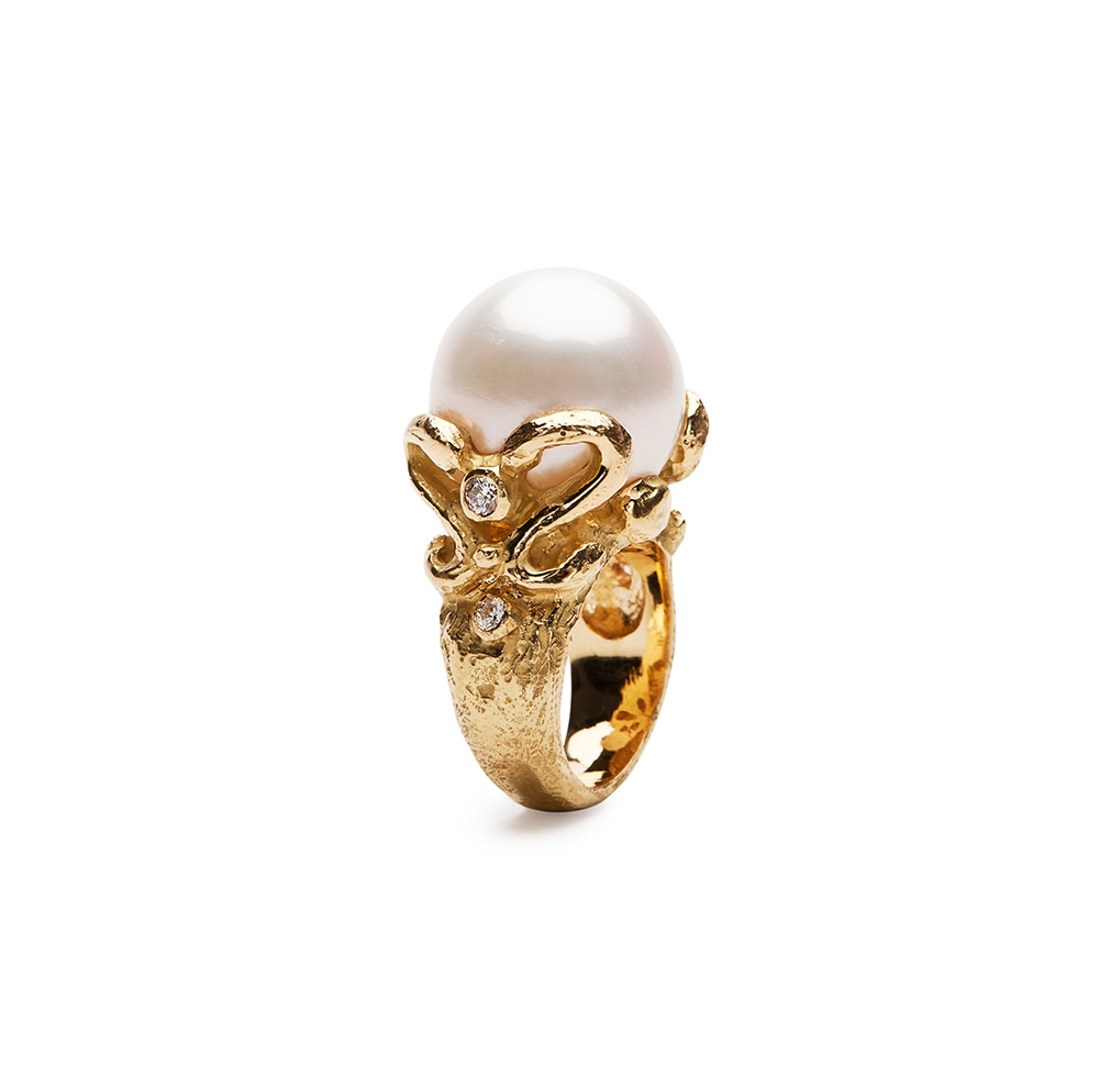 White South Sea Pearl & Diamond Ring No._72_of_78_resized_1.jpg