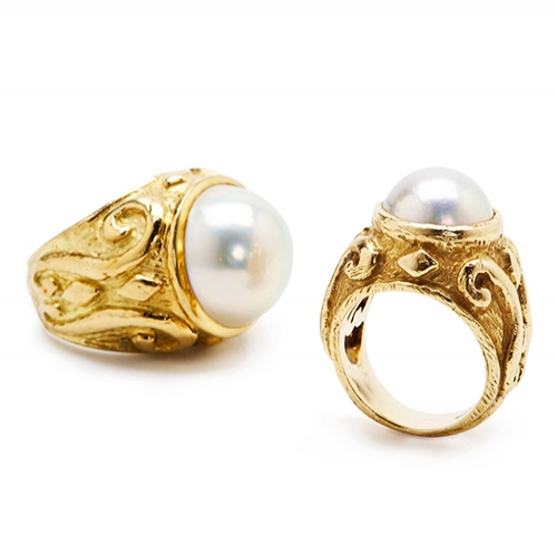 Laura Rings with Mobe Pearls