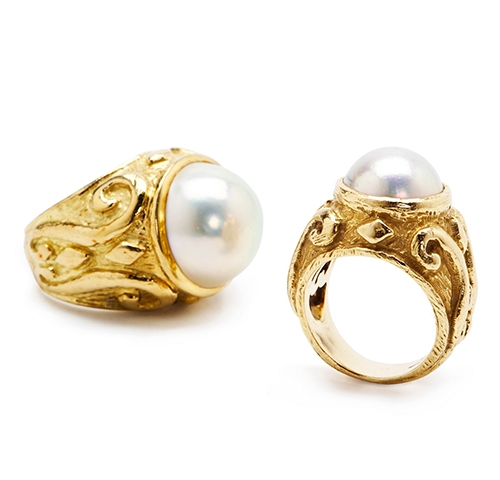 Laura Rings with Mobe Pearls R-1013_and_R-1039_web1.jpg